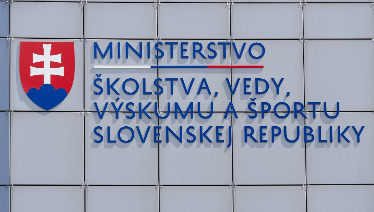 MŠVVaŠ SR vyhlasuje výberové konanie na členov Akreditačnej komisie v oblasti práce s mládežou