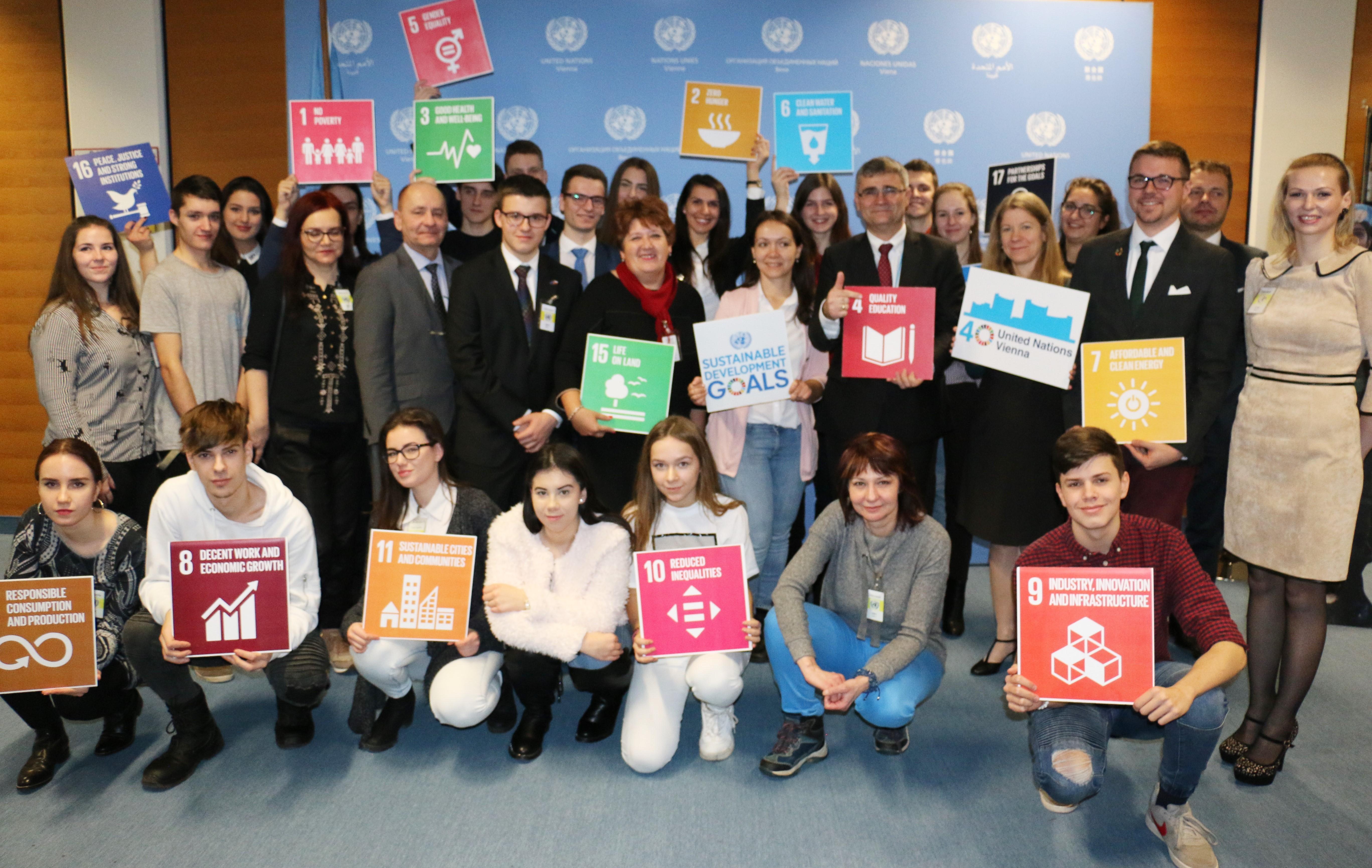 Stredoškolské a mládežnícke tímy predstavili svoje projekty  pre Agendu 2030 v OSN