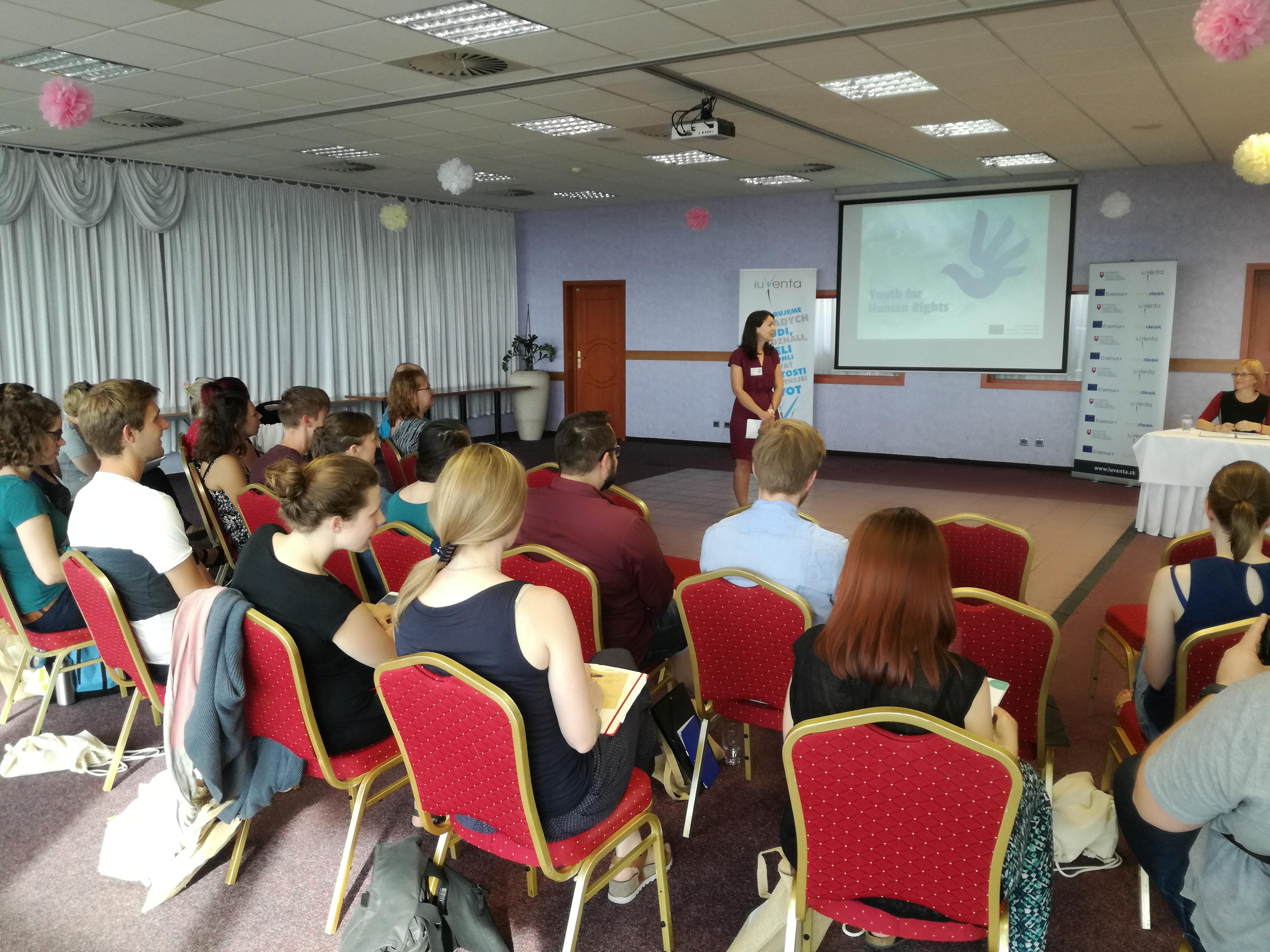 Vzdelávanie k ľudským právam v práci s mládežou