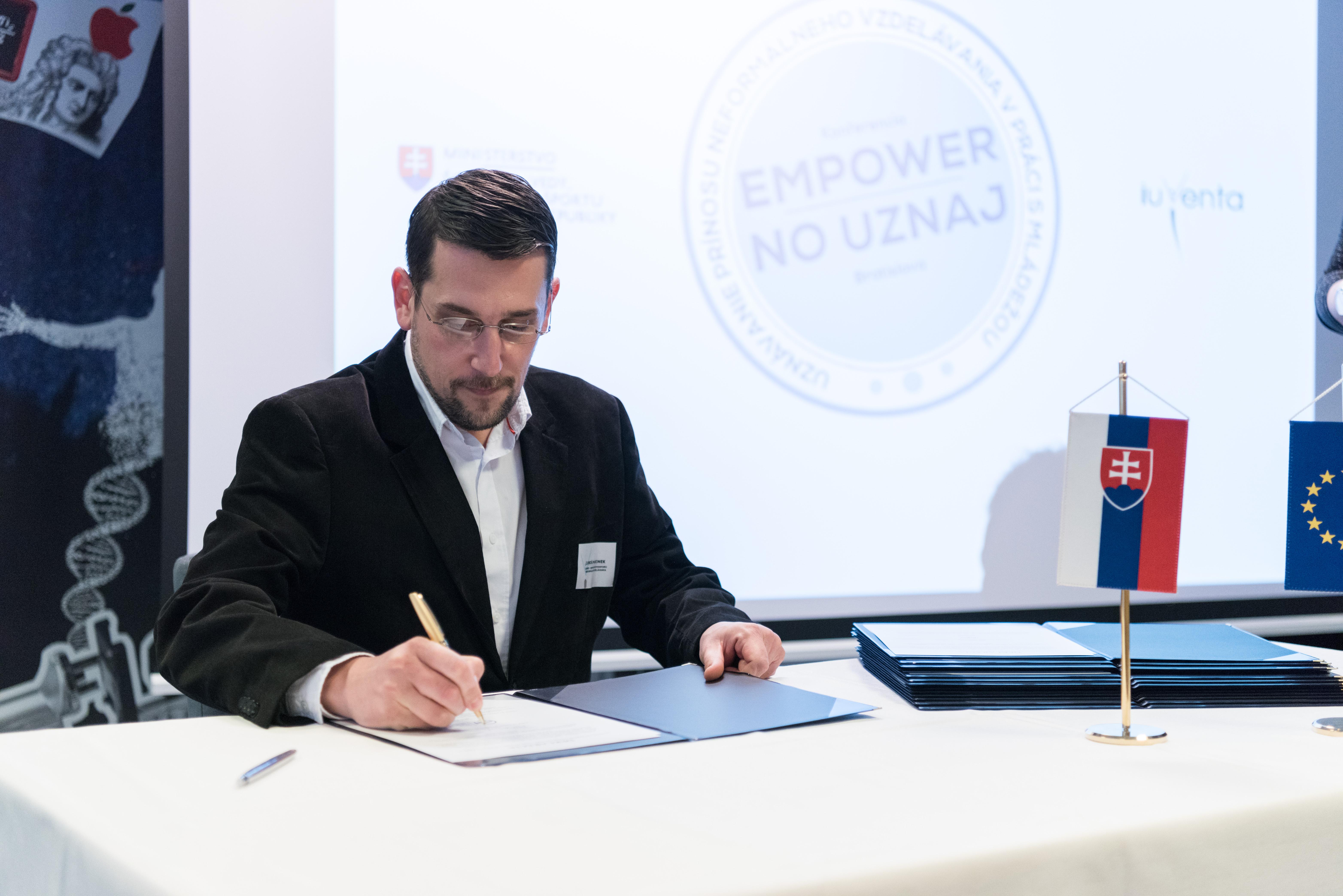 IUVENTA a CeNef podpísali Memorandum o spolupráci