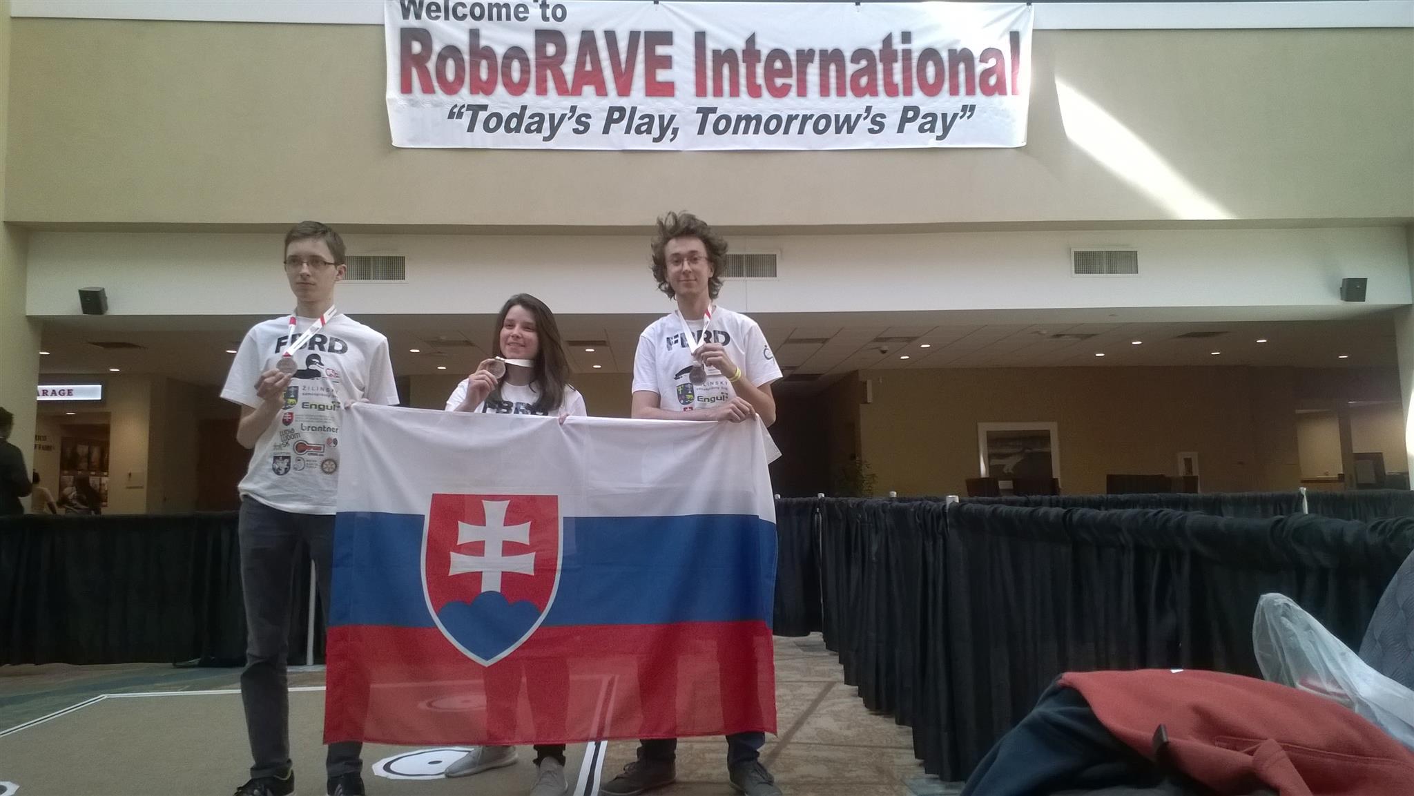 Víťazi národného kola RoboRAVE na celosvetovom finále RoboRAVE International 2018